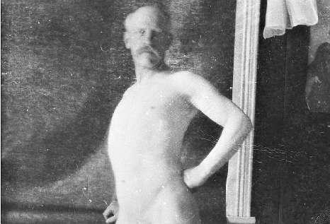 dampende nakne gamle