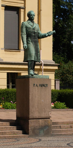 http://folk.uio.no/toanders/statuer/munch_og_schweigaard.htm